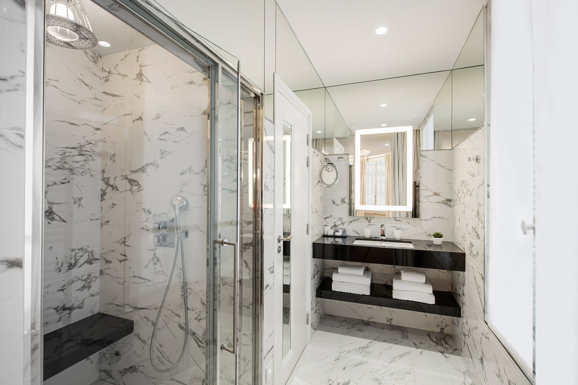 Maison Albar Hotels Le Diamond bathroom Diamond Suite